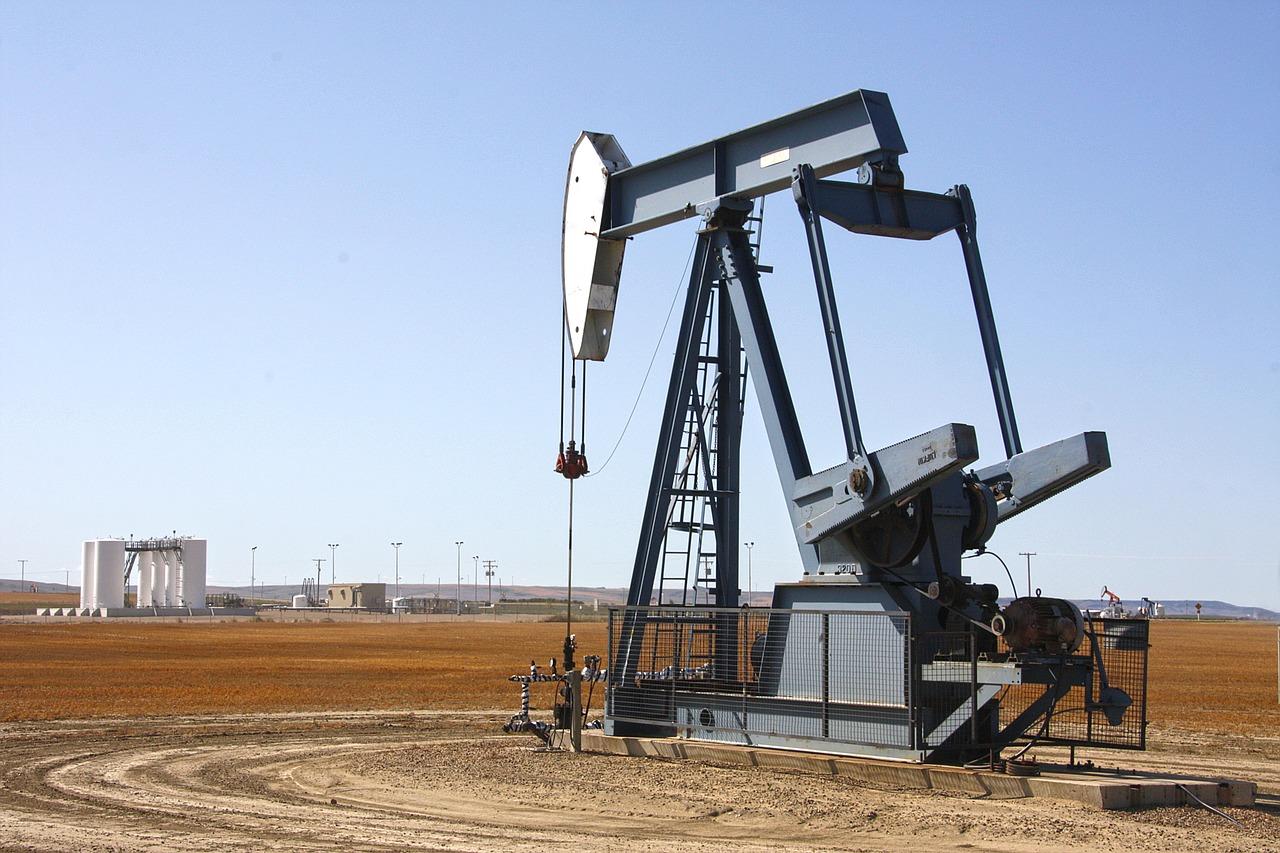 Arabia Saudita promete bajar la producción e impulsa el precio del petróleo